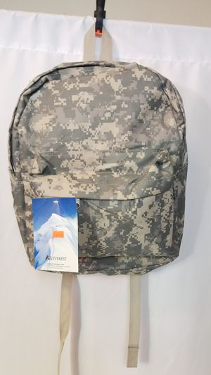 "Backpack Everest 13""x16.5""x6.5"" material 600 polyester spacious main compartment volume 1340Cu In/22L for Sale in Merced, CA"