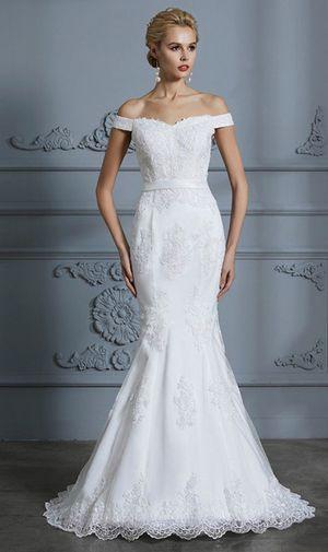 Trumpet/mermaid off the shoulder wedding dress for Sale in Alexandria, VA