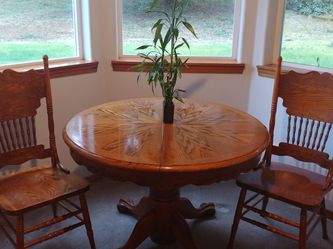 Dining Table And Chairs Oak for Sale in Puyallup,  WA