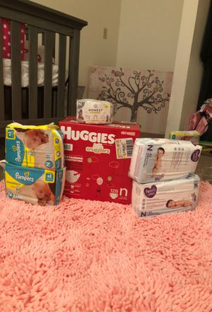 New born diapers for Sale in Phoenix, AZ