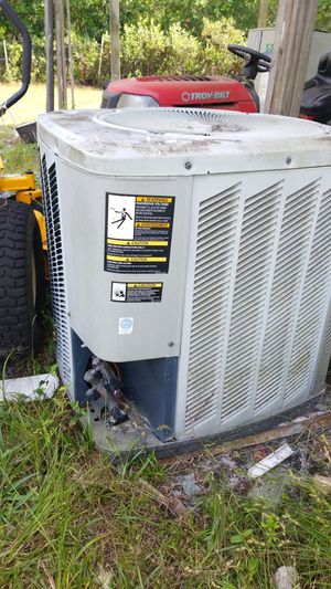 AC unit never been used hot water heater never been used 350 apiece cash only for Sale in Lakeland, FL