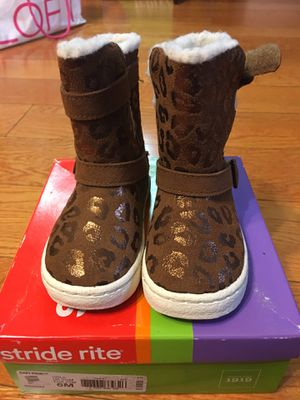 Stride Rite 6M girl's leopard pattern boots new for Sale in Memphis, TN