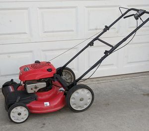 190cc TroyBilt 6.75hp self propelled front wheel drive Lawn Mower. High rear wheels. Starts every time. Powerful! Runs great! for Sale in Perris, CA