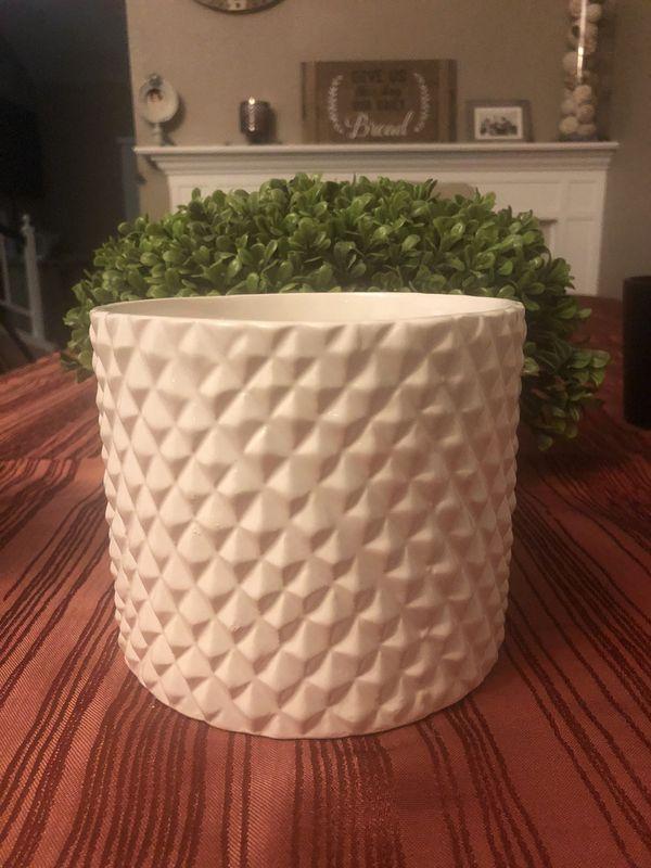 Ceramic Planter/ PoT/ Vase
