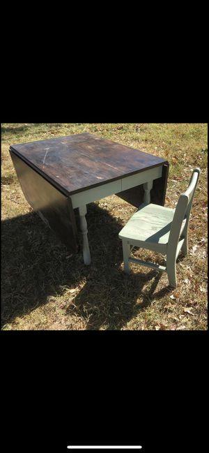 Antiqued drop leaf children's table for Sale in Valley Center, KS
