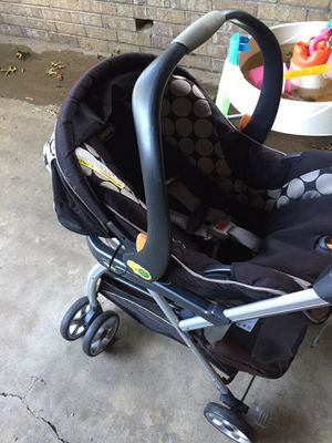 Car seat and stroller Chico for Sale in Kansas City, MO
