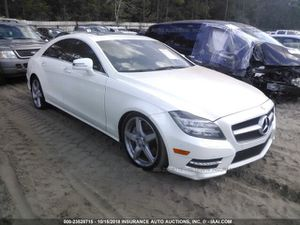 2012 MERCEDES CLS550 FOR PARTS!! PARTS ! PARTING OUT !ONLY ! for Sale in Chicago, IL