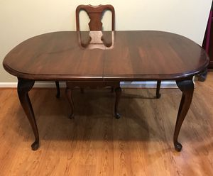 Dining Room Table for Sale in Ashburn, VA