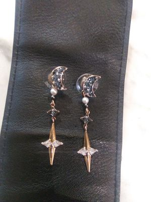Luna Star Diamond Earings New for Sale in Millbrae, CA