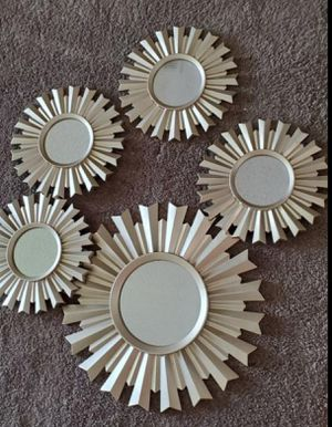 5 pc mirror wall decor for Sale in Kissimmee, FL