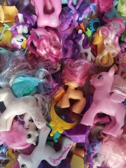 Huge Lot Of My Little Pony Figurines Toys for Sale in Stratford,  CT