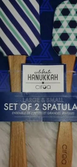 Happy Hanukkah Set Of Two Spatulas One Large and One Small Spatula Ciroa New for Sale in Corona,  CA