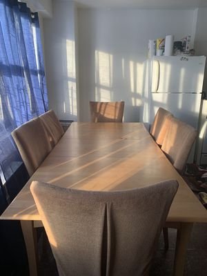 Extendable Wooden Table W/ 6 Chairs for Sale in New York, NY