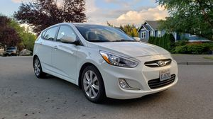 Very nice 2014 Hyundai Accent Hatchback SE with new tires for Sale in Bothell, WA