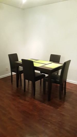 Dining table for Sale in Tampa, FL