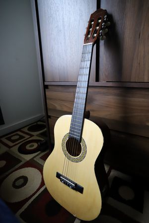 Lyons Classical Guitar (ACG-3610) for Sale in Seattle, WA
