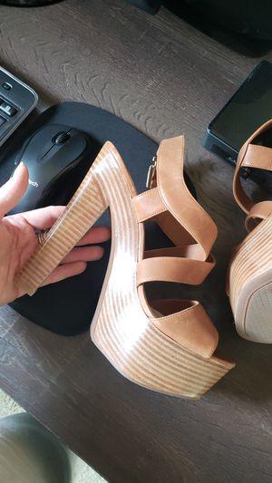 Jessica Simpson tan heels wedges size 8 for Sale in Burien, WA