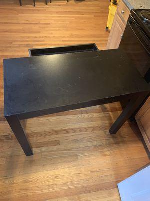 Small desk for Sale in Revere, MA