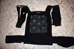 Infantino Wrap and Tie Baby Carrier Black Blueberries Lot #2 for Sale in Orlando, FL