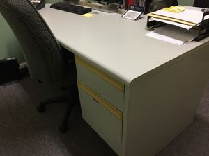 Office Desk for Sale in Levittown, PA
