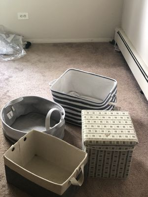 Bath containers towel storage for Sale in Willowbrook, IL