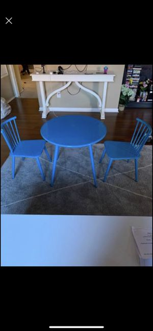 Kids table and 2 metal chair for Sale in Balch Springs, TX