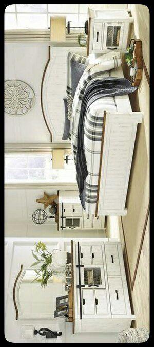 🚩Ashley🚩 Wystfield White/Brown Panel Bedroom Set for Sale in Hyattsville, MD
