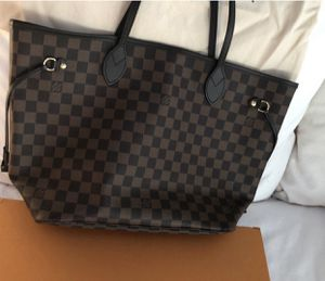 Louis Vuitton neverfull mm for Sale in Plant City, FL