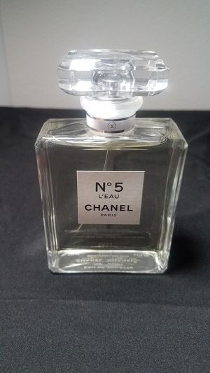 Chanel No. 5 L'EAU Perfume 3.4 fl ounce 100 ml for Sale in Calimesa, CA