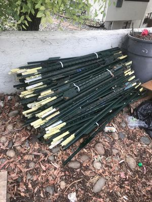 fence stakes 5 foot high for Sale in San Jose, CA