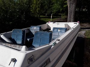 1970 Evinrude explorer deck boat for Sale in Chicago Heights, IL