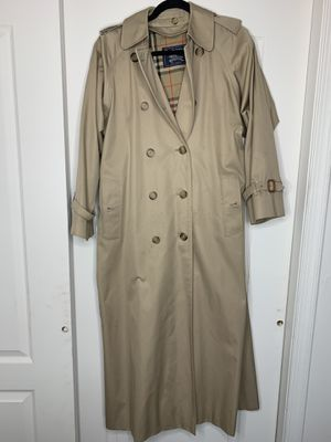Women's Burberry Trench Coat 8 XXL for Sale in Jackson Township, NJ