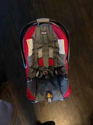Chicco Car Seat and Base for Sale in Sheridan, CO
