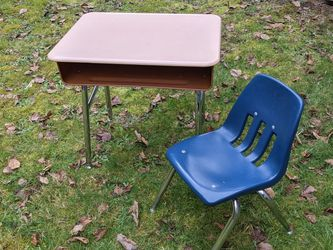 Child's Metal Desk with Chrome Legs and Chair for Sale in Arlington,  WA
