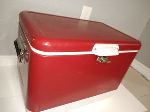 Vintage Coleman cooler for Sale in Town 'n' Country, FL