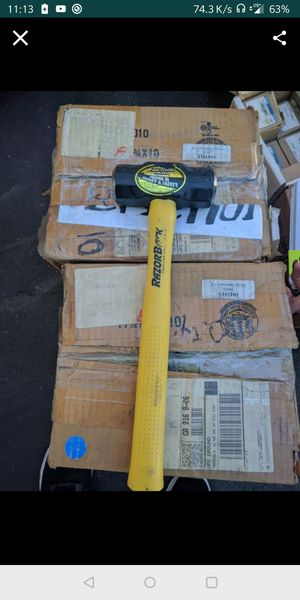 16 inch 4lbs sledge hammers $20 each qty 27 for Sale in Lake Forest, CA