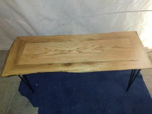 Live edge red oak coffee table with pin legs for Sale in Red Oak, VA