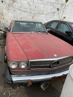 81 Mercedes sl380 Parts only for Sale in Queens, NY