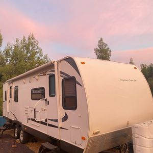 27Ft Travel Trailer 2010 (priced to sell) for Sale in Ramona, CA