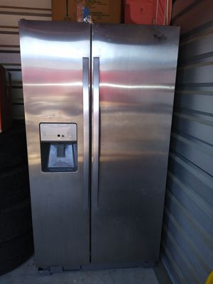 Stainless steel Whirlpool fridge for Sale in Dallas, TX