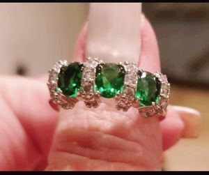 Genuine emerald 3 stone ring........ size 8 for Sale in Riverside, CA