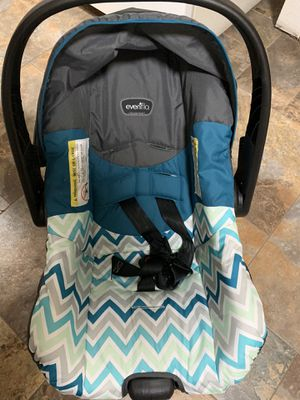 Evnflo infant car seat. Used Twice, GREAT CONDITION! &50 for Sale in Odessa, TX