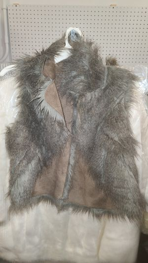 Willow & Clay Faux Fur Vest for Sale in Dagsboro, DE