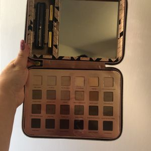 Tarte Palette W/ Mascara & Brush for Sale in Arlington, TX