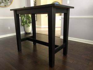 Solid wood desk & chair for Sale in VLG O THE HLS, TX