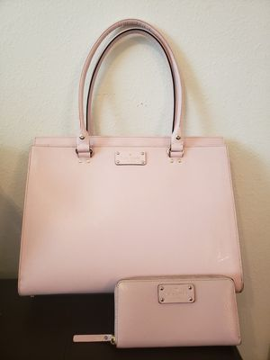Baby Pink Kate Spade purse with wallet for Sale in Auburndale, FL