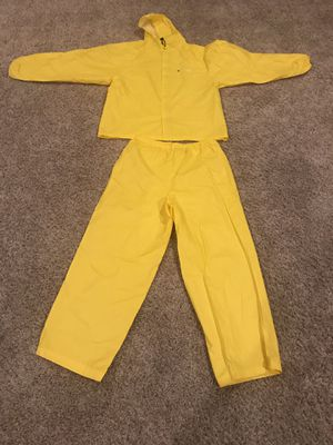 Medium Rain Suit never used! for Sale in Rogers, AR