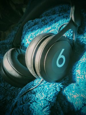 Beats by Dre EP headphones for Sale in Evansville, IN