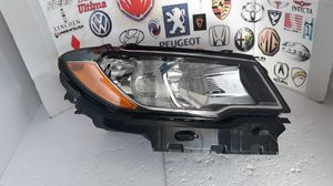 2017 2019 Jeep Compass Headlight Passenger Halogen Right RH side O0EM # P55112706AE For Parts. for Sale in Lawndale, CA