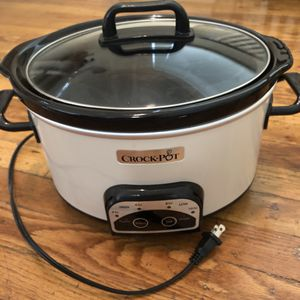6 qt crock pot for Sale in Denver, CO